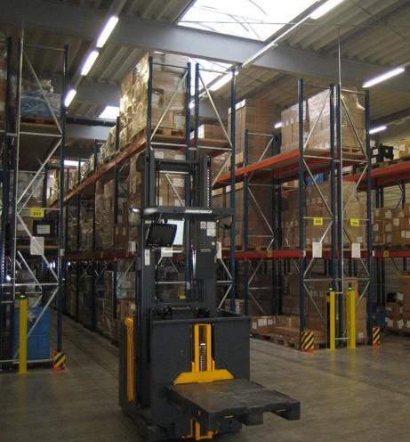 Kommissionierung in der Logistik kann mit Datenbrillen unterstützt werden.